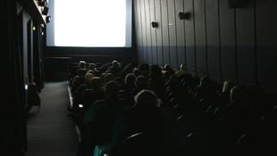 Újranyitja kapuit a budapesti mozi