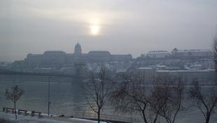 Siet a tél, helyenként már leesett az első hó