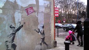 Kalapács alá kerül Banksy több illegálisan készült műve