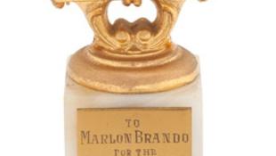 Marlon Brando ereklyék kalapács alatt