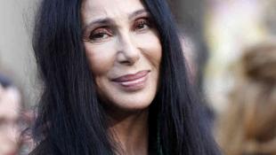 Újra turnézik Cher