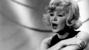 Elhunyt a népszerű énekesnő