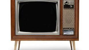 Többet tévézik, aki elégedetlen az életével