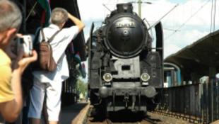 100 éves vonat üzemel majd a Bp-Siófok-távon