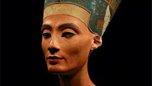Nofertiti visszatér