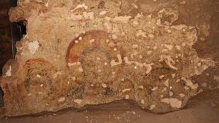 Erődöt és freskókat találtak lengyel régészek