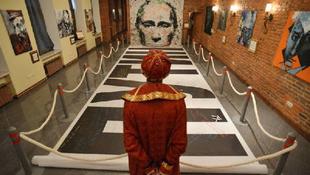 Menekülne országából az orosz festő