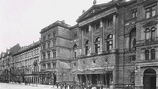 170 éve nyitotta meg kapuit a Nemzeti Színház