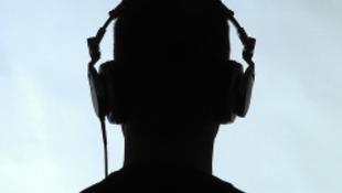 Tudja meg, hogy Ön zenét hallgat, vagy csak zenét hall
