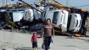 Élethű halottakkal gyászol Japán