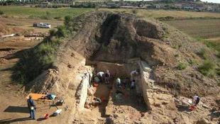 Etruszk sírt találtak Rómánál