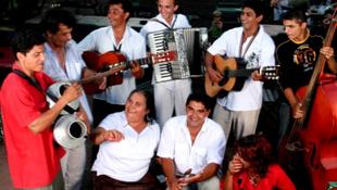 Óriási sikert aratott a magyar-roma zenekar Ohióban