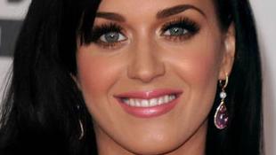 Lopáson kapták Katy Perryt