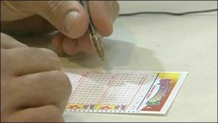 Mostantól bármit megtehet az olasz lottómilliomos