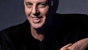 Világhírű karmester a Bécsi Filharmonikusok élén