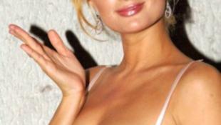 Lehet, hogy Pesten fog magának pasit Paris Hilton?