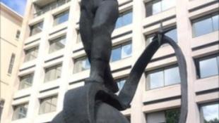 Szovjet hős kapott szobrot Londonban