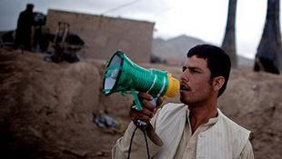 A tálibok betiltották a mobilozást