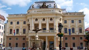 Kikosarazta Vidnyánszkyt a pozsonyi teátrum