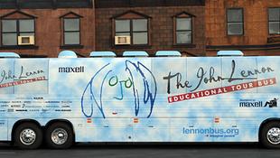 Elindult a Lennon busz