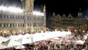 Tízezrek táncoltak az utcán Belgiumban