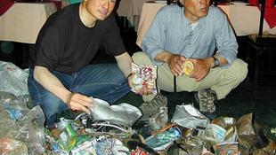 Öt holttestet hoztak le a Mount Everestről