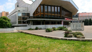 Felújítják a győri színház színpadát