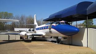 Eladó Elvis Presley két repülője