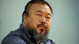 Büntetést kapott az Aj Vej-vej milliós vázáját összetörő művész