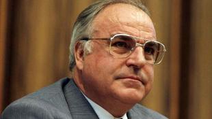 Helmut Kohlról leleplező könyvet írt a szellemírója