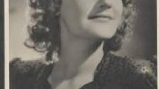 A legendás színésznőre emlékeznek