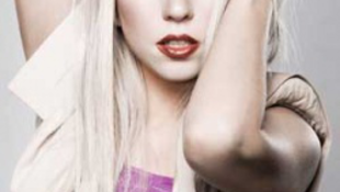 Lady Gaga újra támad