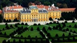 Megújul a barokk kastély