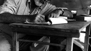 Hemingway eddig ismeretlen kéziratai láttak napvilágot