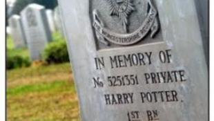 Harry Potter sírja zarándokhellyé vált Izraelben