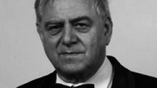 Elhunyt Dobszay László