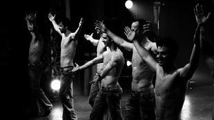 Magyar zenészekkel lép színpadra a világhírű csapat