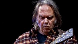 Lemondta izraeli koncertjét Neil Young