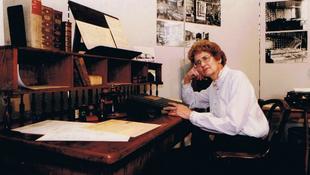 Elhunyt a magyar költőnő