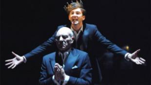 Bíróság elé állították Hamletet
