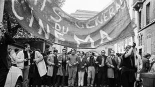 Meglegyintette Cannes-t a forradalom szele