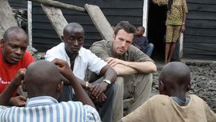 Ben Affleck Kongóban jótékonykodik