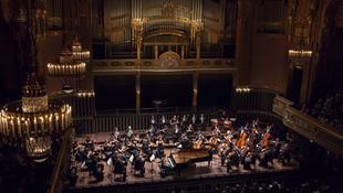 Ismét külföldön hódít a magyar zenekar