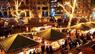 Holnap nyit a Budapesti Karácsony a Vörösmarty téren