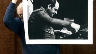 Zenészek régen és ma