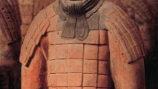 Robbantással fosztogatták a 2500 éves sírokat