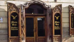Elixírek, pirulák és flastromok a Fekete Sasban