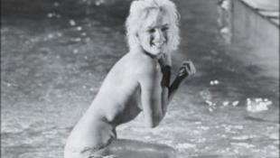 Csőd az életed? Feküdj sokáig Marilyn Monroe fölött!