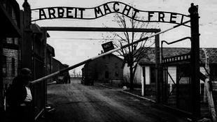 Elfogták a férfit, aki ellopatta a hírhedt auschwitzi feliratot