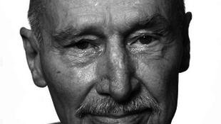 Elhunyt Richard Artschwager